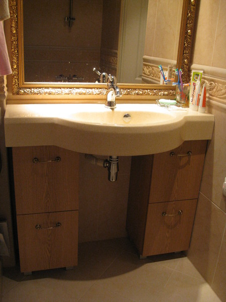 Sink base closets with shelves