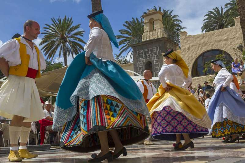Typical dance at Pueblo Canario (Las Palmas de GC)
